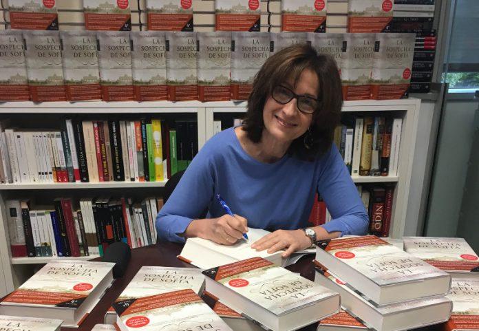 Paloma Sánchez-Garnica, firma de libros