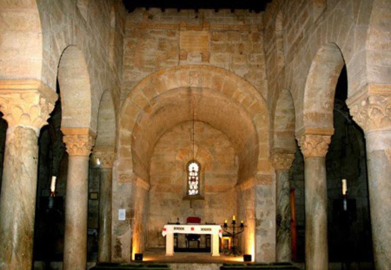Rito Mozárabe. Interior de la Iglesia San Juan de Baños