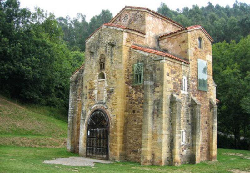 Iglesia Santa María de Lilo