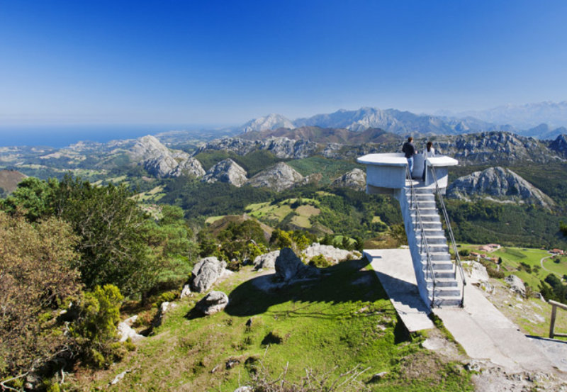 Mirador El Fitu Alto de la Cruz de Llames, Caravia. Covadonga. Asturias