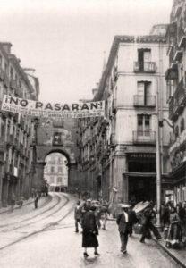 Madrid Calle Toledo ¡No pasarán! Guerra Civil Española.