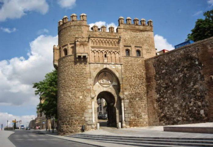 Toledo, Puerta del Sol. España