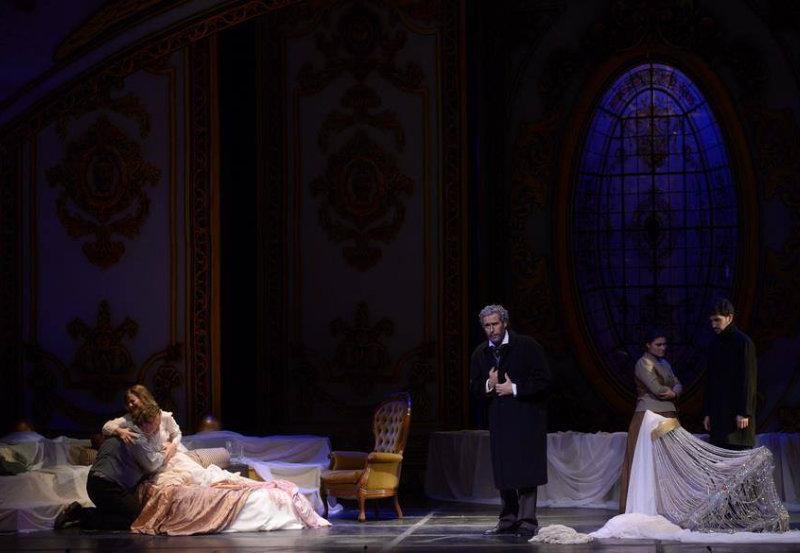 Escena Acto Final de La Traviata, Verdi. Teatro Lírico del Centro del Conocimiento, Argentina.