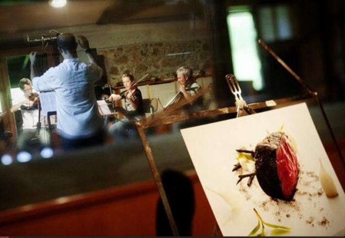 Mugaritz BSO. Los músicos trabajando en uno de los platos del proyecto.