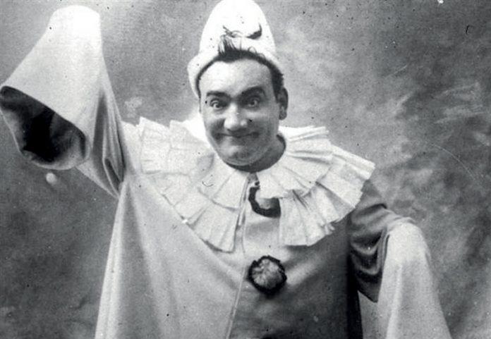 Pagliacci, Enrico Caruso como Canio. Foto: The Victrola book of the opera. S.H.Dudley. 1917