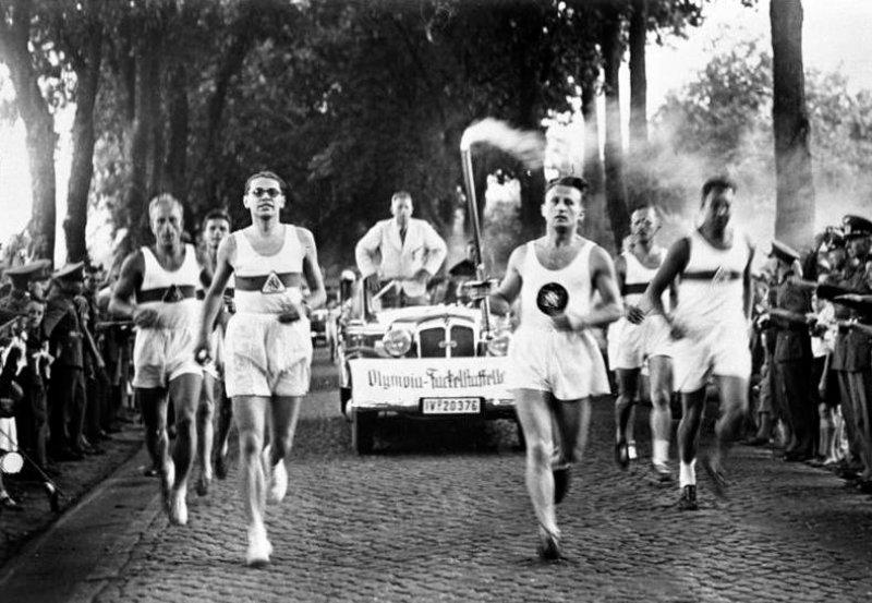 Relevo de la antorcha de los Juegos Olímpicos de 1936