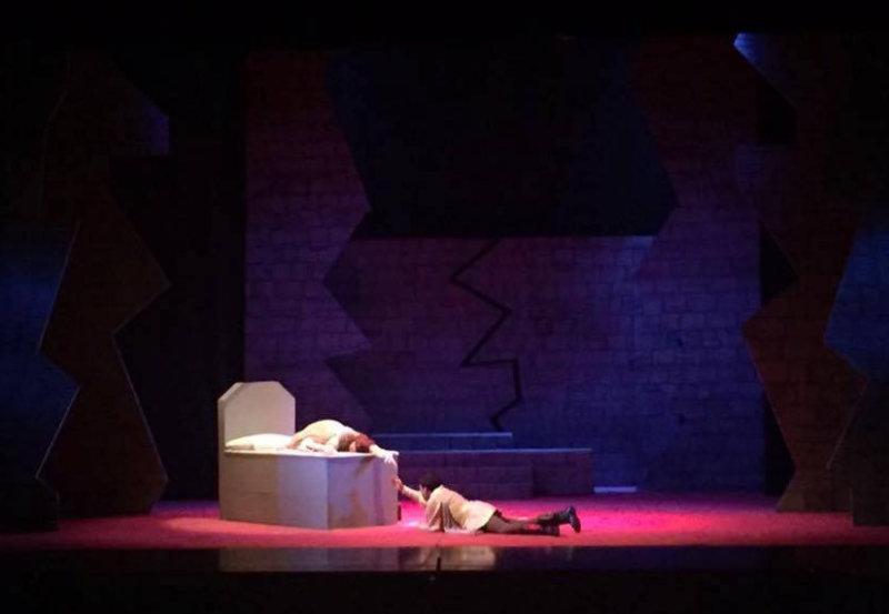 Ópera Romeo y Julieta en la tumba.