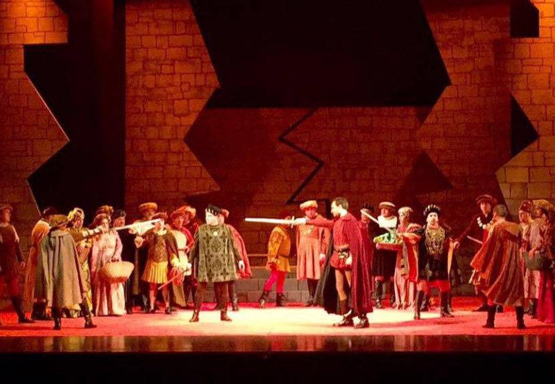 Ópera Romeo y Julieta Duelo Espadas
