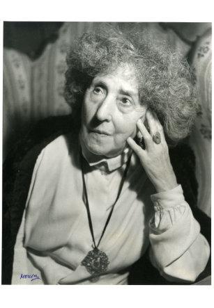 Concha Espina por Nicolás Müller, 1950
