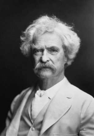 Samuel Langhorne Clemens (Mark Twain) fotografiado por A.F. Bradley, New York, Public domain, via Wikimedia Commons